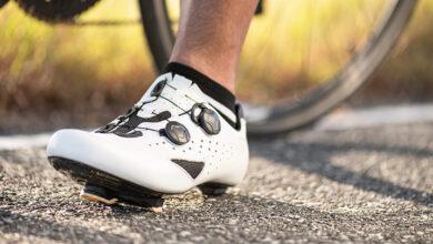 Photo of Popoln vodič za nakup kolesarskih čevljev